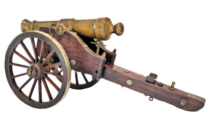 Cannon viewed from the left rear image