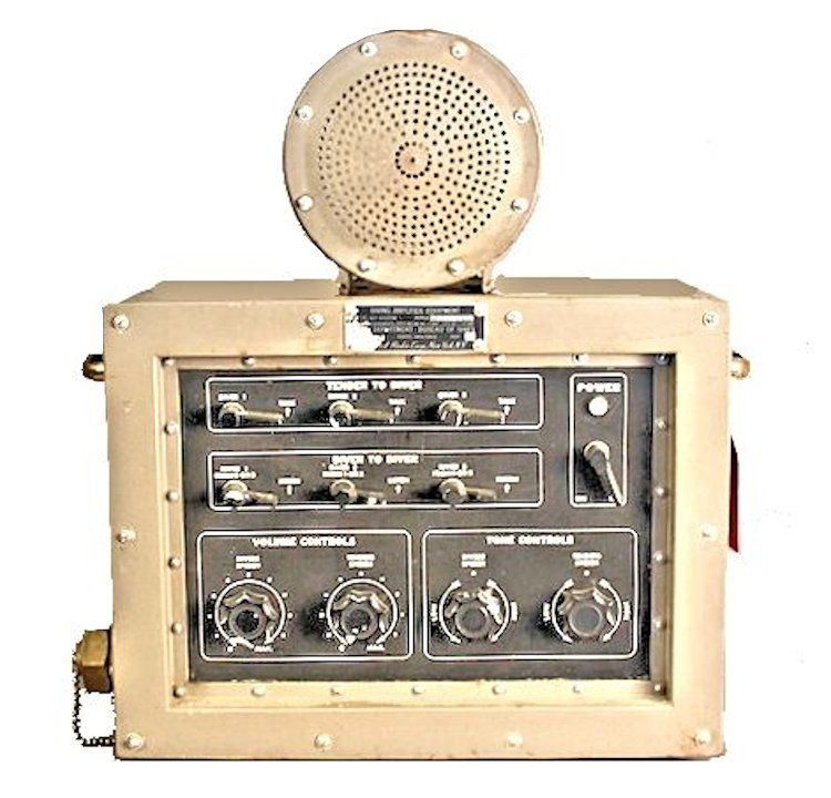 Three diver radio communication box image