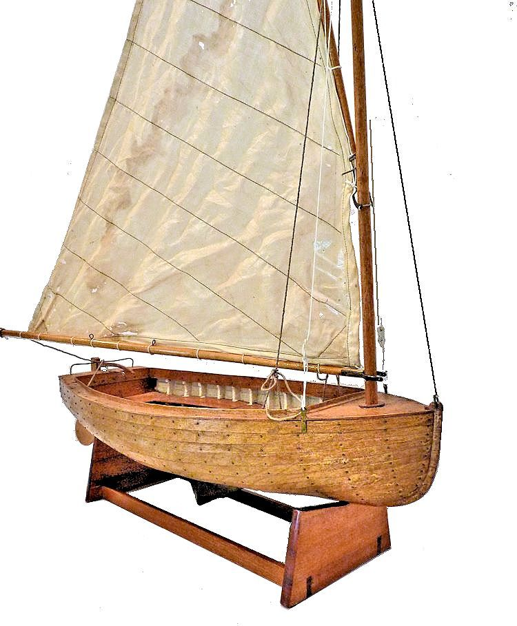 3/4 staroard bow view of lapstrake dinghy model image
