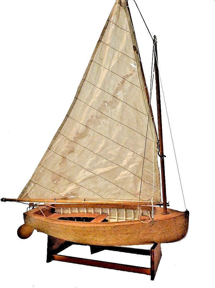 Starbord side of lapstrake dinghy model image