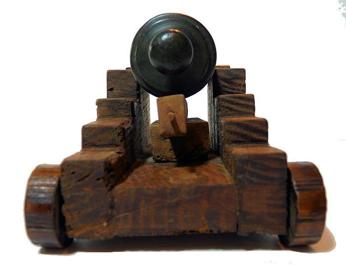 Rear of George I ship's cannon image