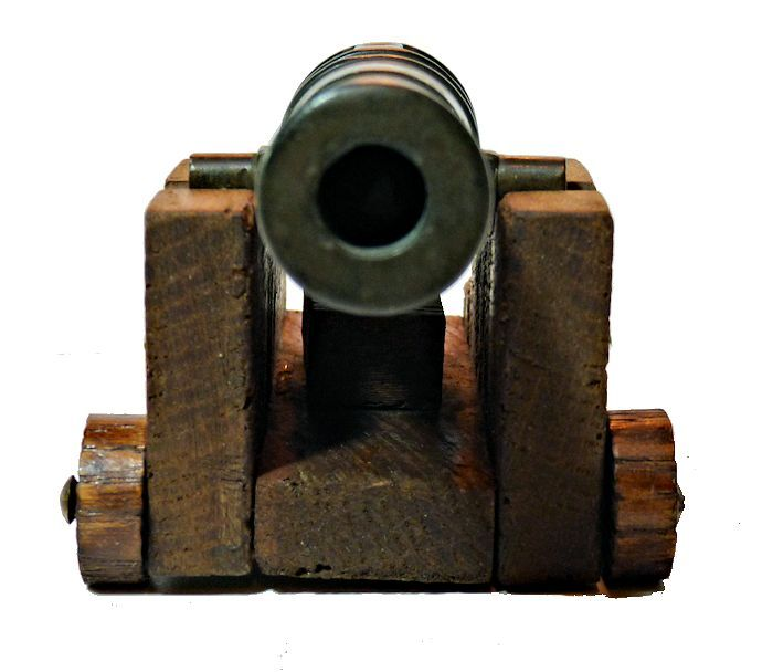 Front view of the George I ships' cannon relic image