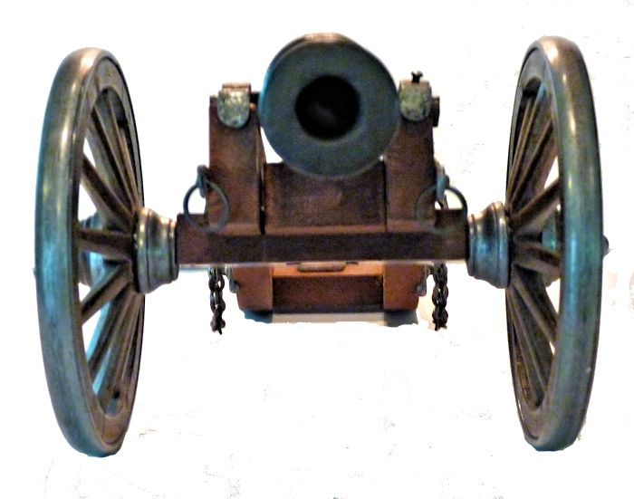 Front view of the George I miniature field cannon relic image