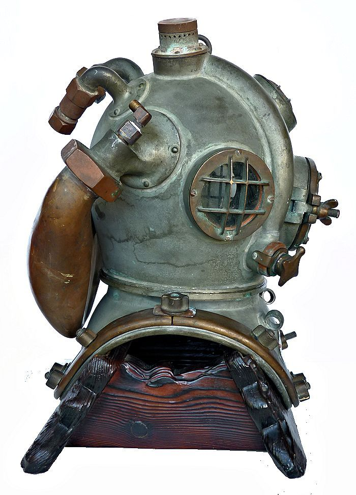 Rightside of 1972 DESCO helium dive helmet image