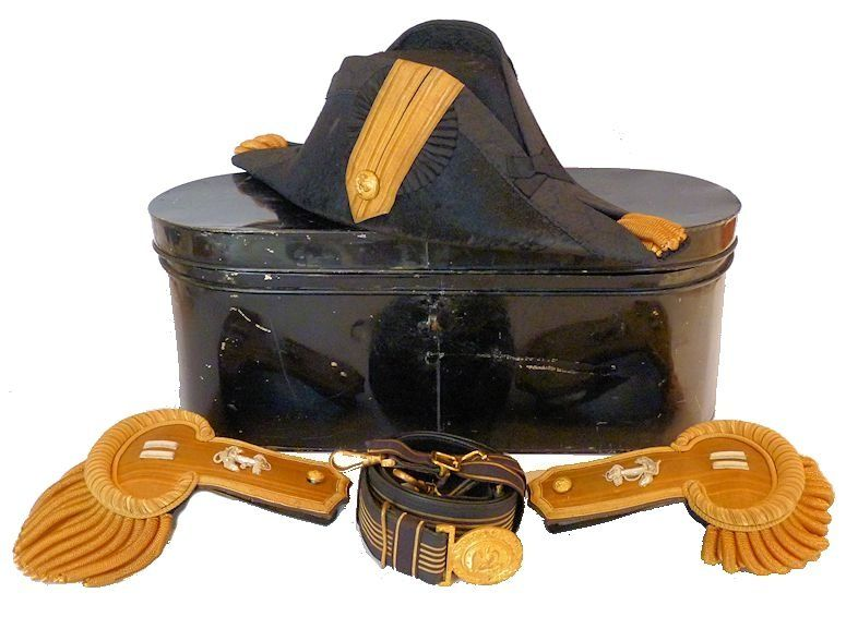 US Navy full dress cocked hat sword belt, epaulet kit image