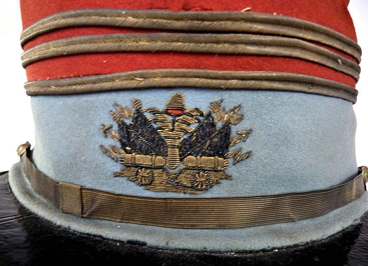 Front insignia of French officer's kepi image