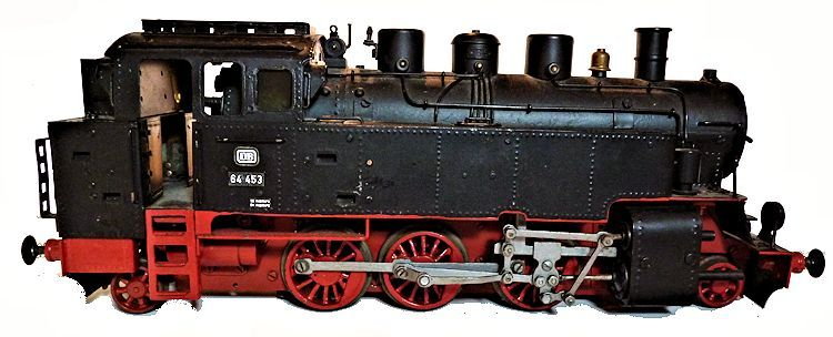 Right side view of the electric locomoive engine image
