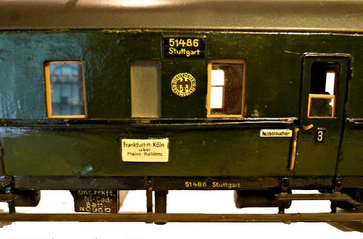 Details of the markings on the 1st Class car image