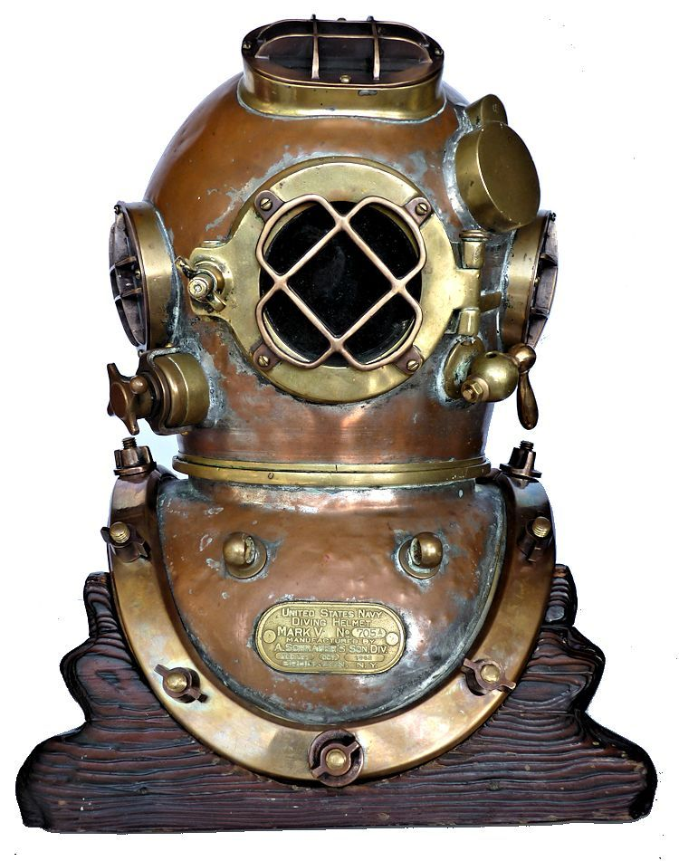 Front view of 1942 Scharder Navy MK V Dive border=