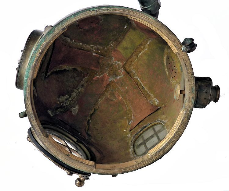 Inside of the early Morse bonnet showing the vents image