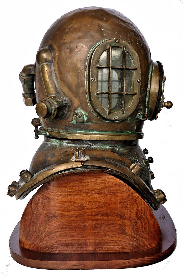 Right side view of Morse Commercial helmet image