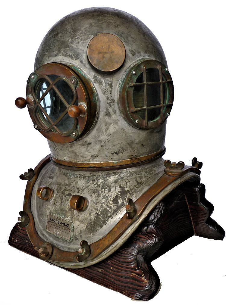 Left front view of the Craftsweld dive helmet image