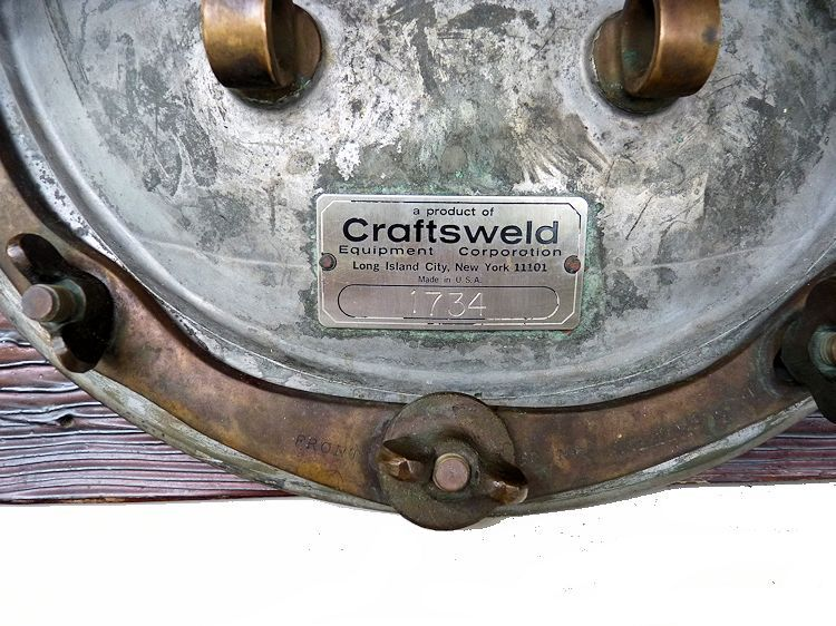 Maker's tag pf the Craftsweld dive helmet image