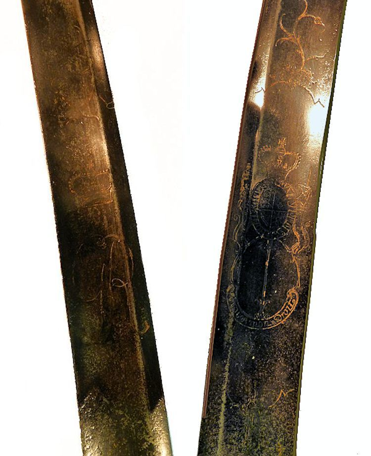 British marking on both side of the Horse Head blade image
