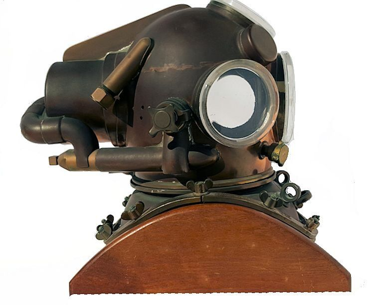 Rightside of the Yoko helium dive helmet image