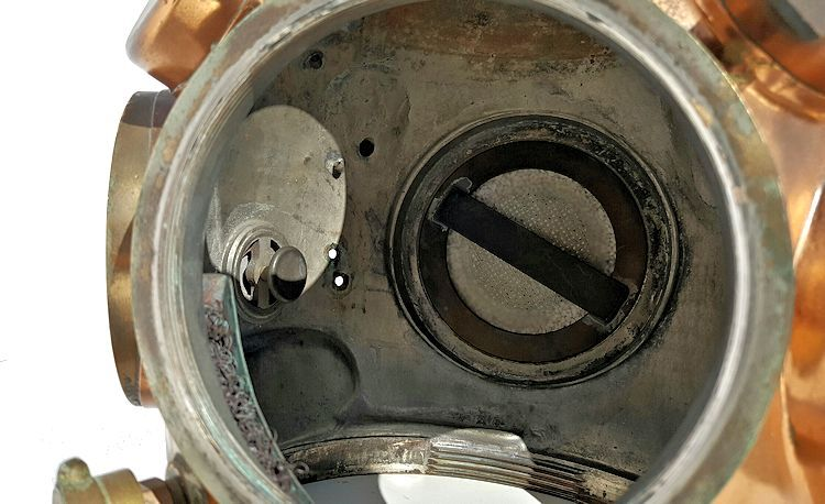 Inside te bonnet of the Yokohama Helium helmet image