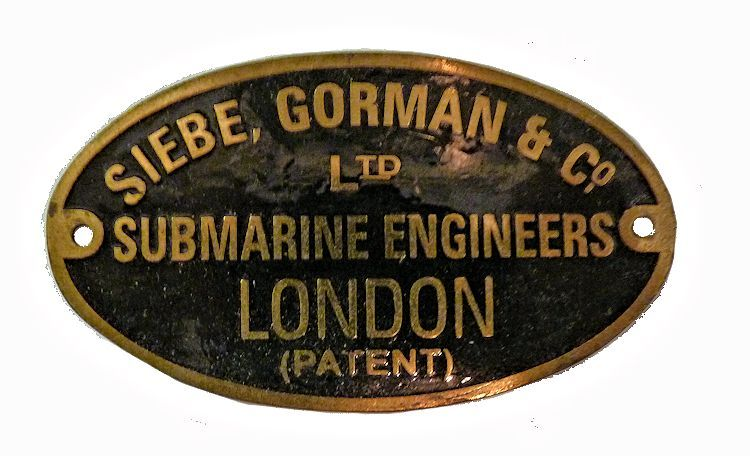 Authentic vintage Siebe Gorman Maker's tag.></font></td>