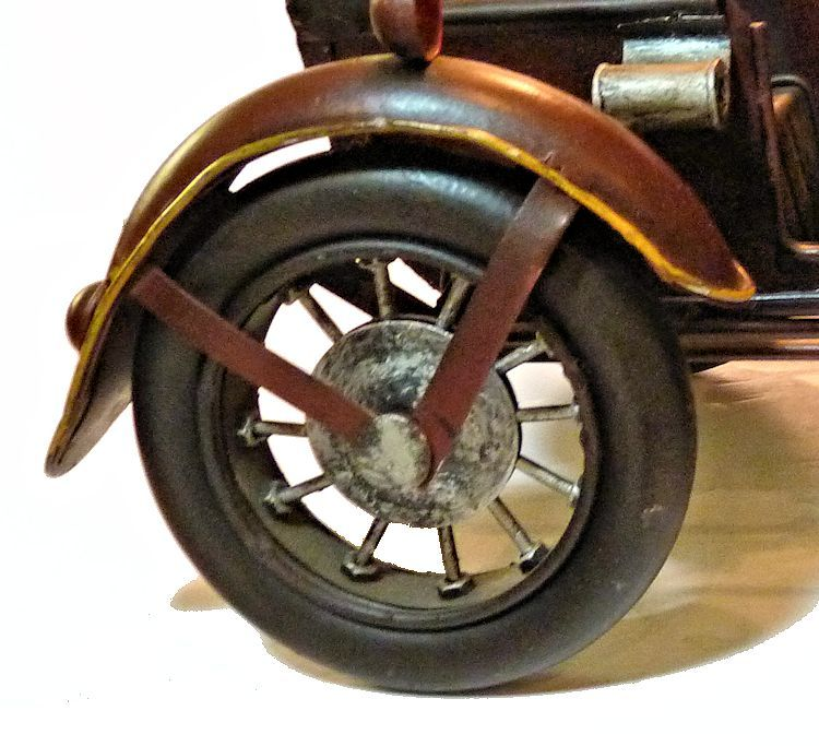 Close up of sidecar wheel image