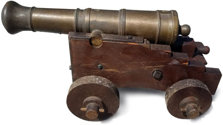 Left side view of the cannon